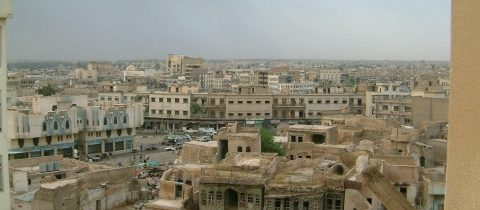 Mobila din casele creștinilor este scoasă la vânzare în piața din Mosul